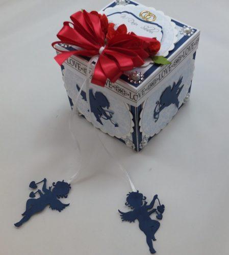 kartka-recznie-robiona-urodziny-imieniny-roczek-komunia-chrzest-walentynki-slub-wykrojnik-dziurkacz-memory-box-sizzixm-desing-cottage-cutzz-29